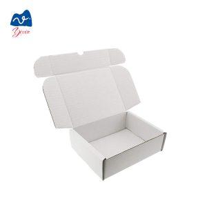 white cardboard box-2